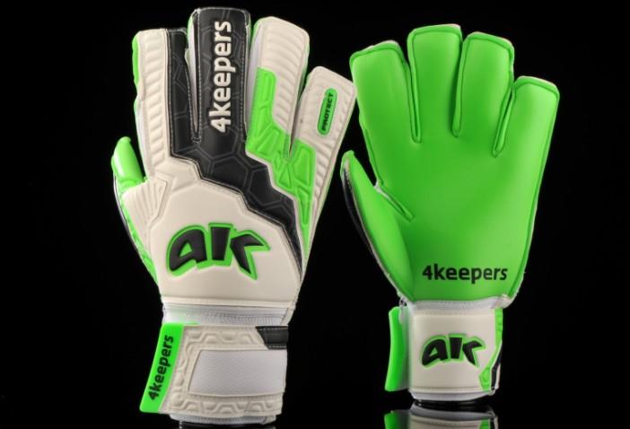 fotbalove rukavice